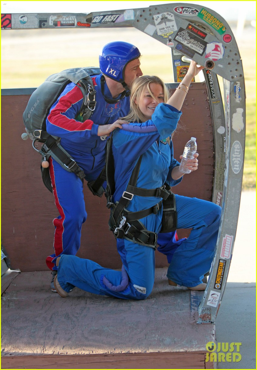 leann rimes eddie cibrian skydive elsinore couple 102990951