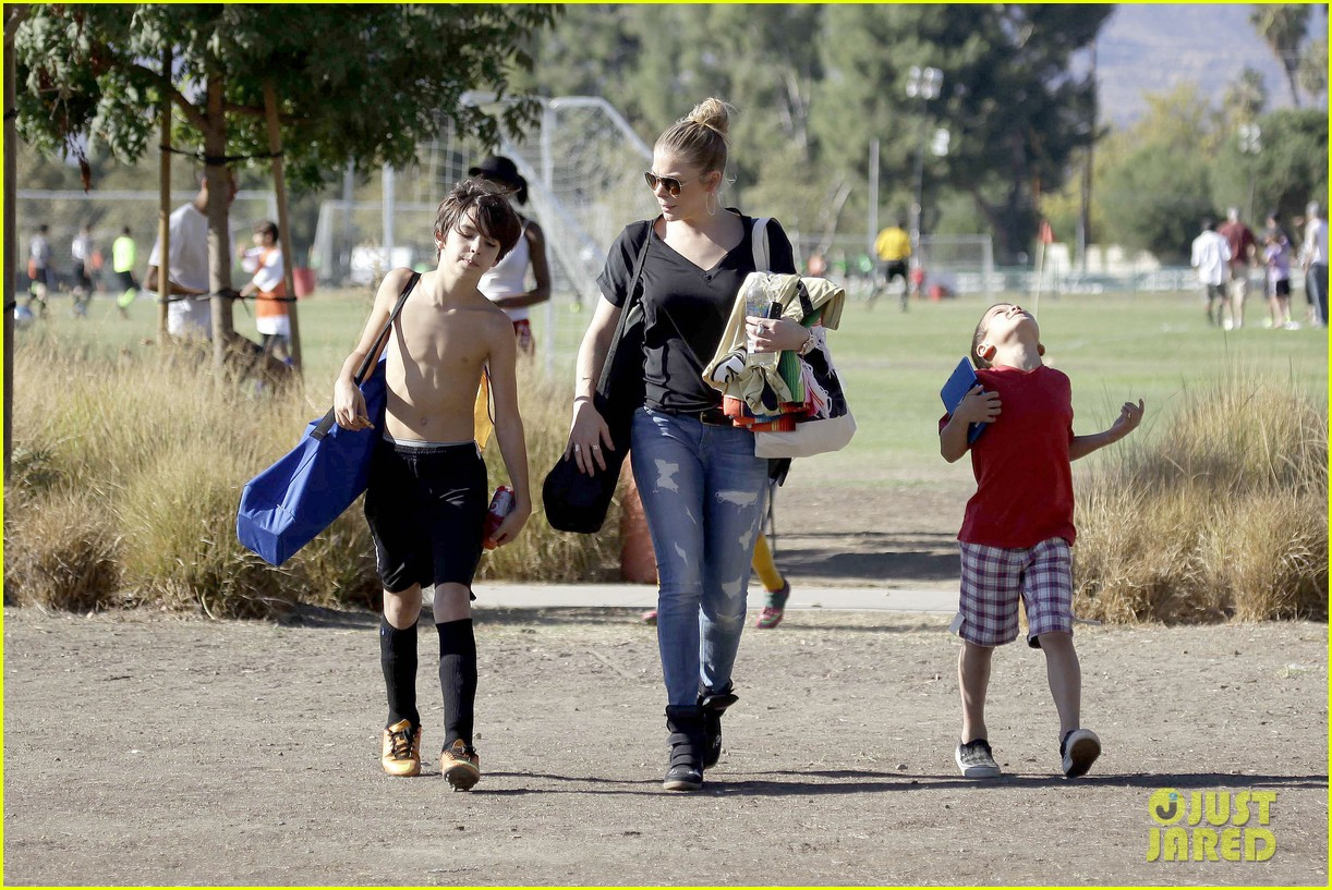 leann rimes soccer game with mason jake 192985237
