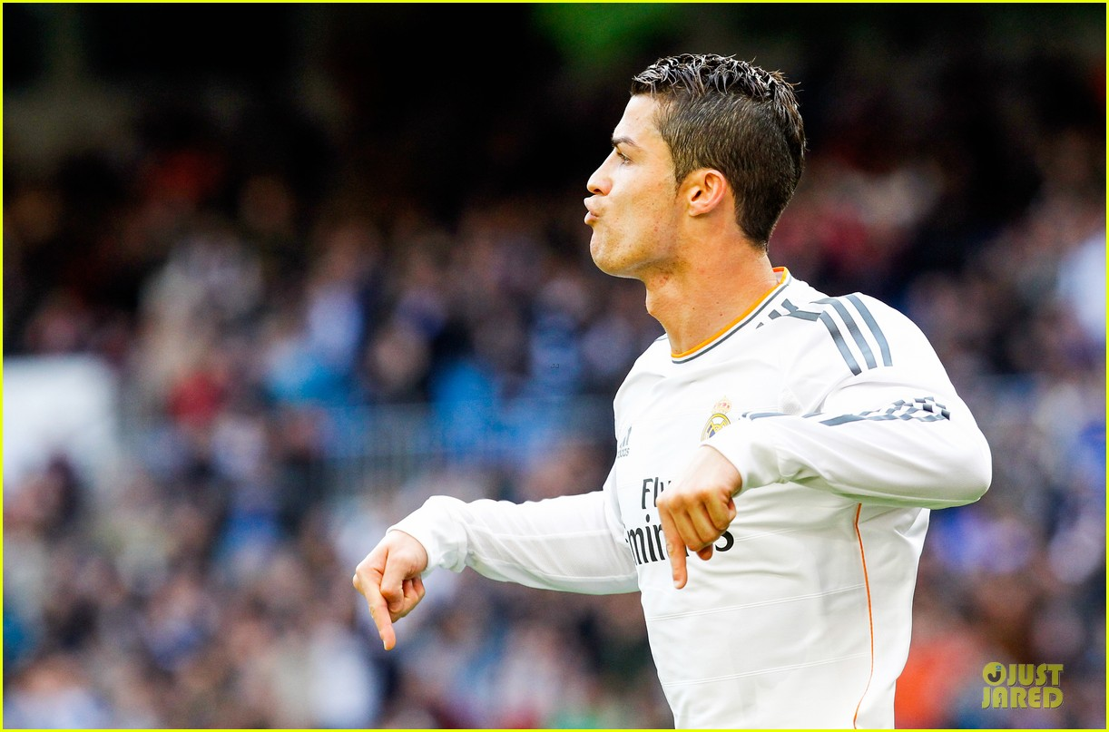 Wondrous Cristiano Ronaldo Helps Real Madrid Defeat Real Sociedad Photo Hairstyle Inspiration Daily Dogsangcom