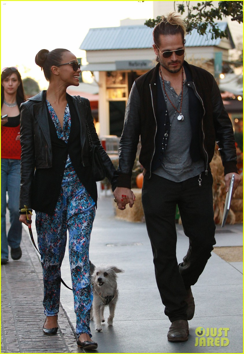 zoe saldana marco perego hold hands look so in love 19