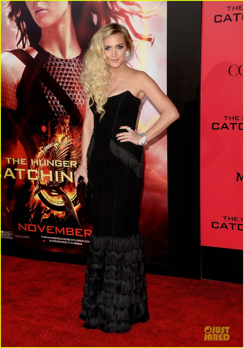 ashlee simpson evan ross catching fire la premiere 122995743