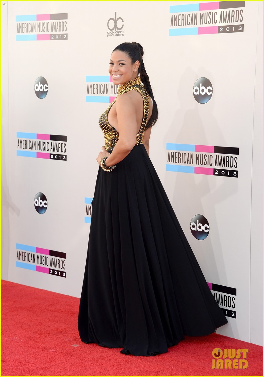 jordin sparks american music awards 2013 red carpet 05