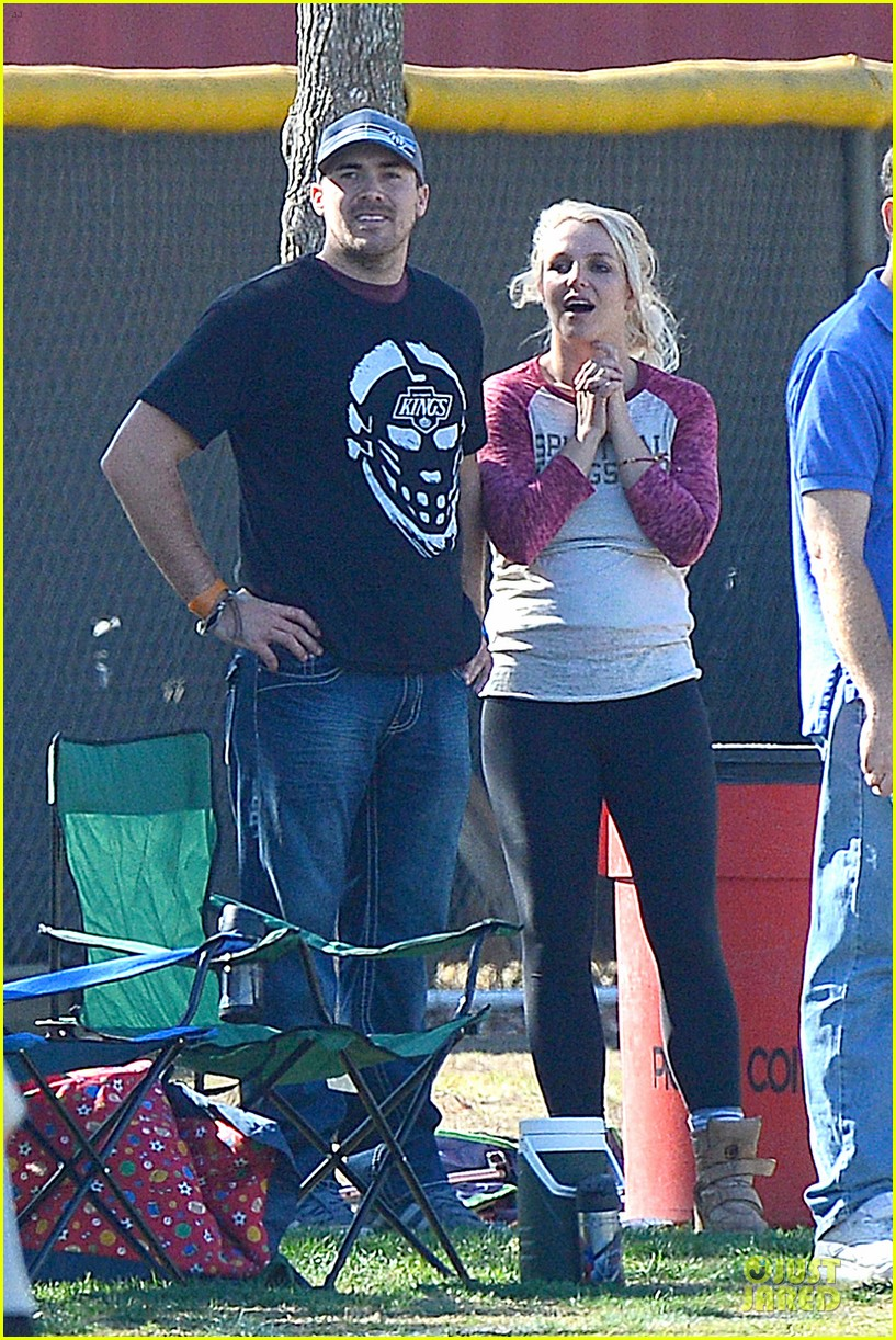 britney spears david lucado soccer game with kevin federline 01
