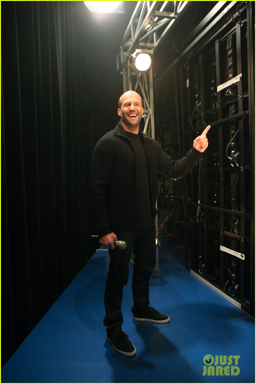 jason statham promotes homefront on 106 park 09