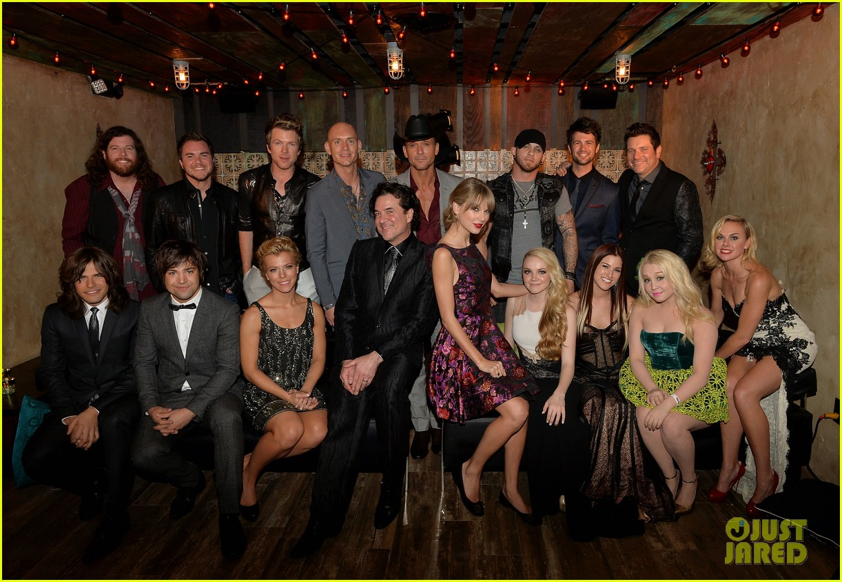 taylor swift cmt awards 2013 after party 04
