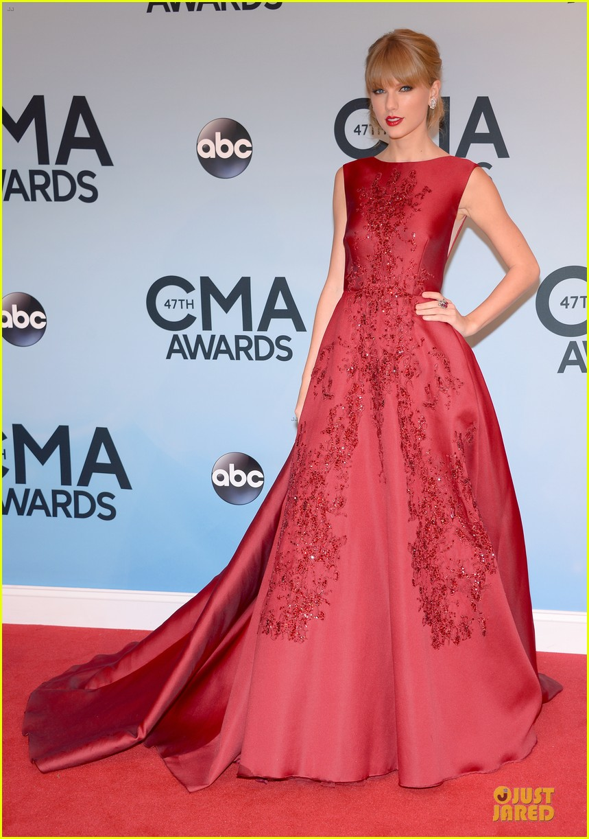 taylor swift cma awards 2013 red carpet 052987202