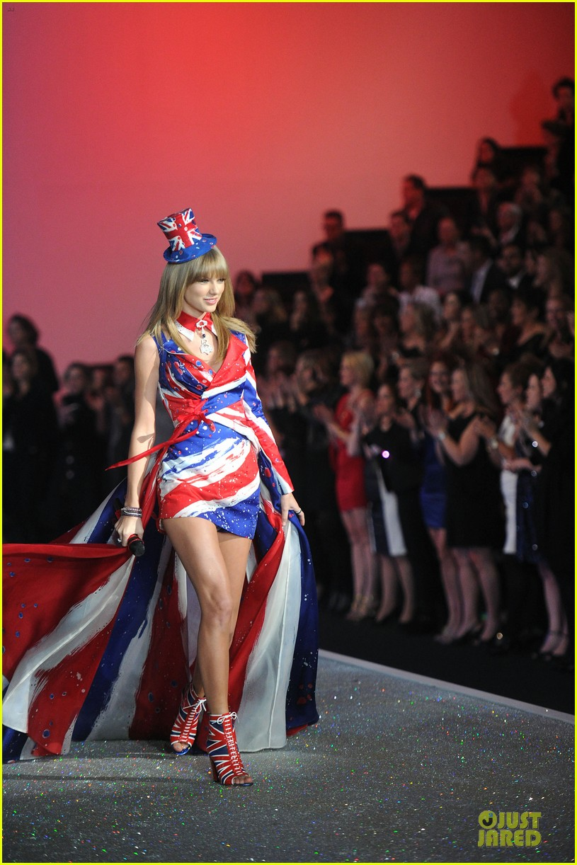 taylor swift victorias secret fashion show performer 2013 21