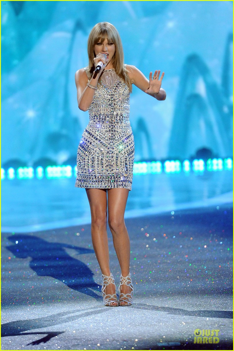 taylor swift victorias secret fashion show performer 2013 30