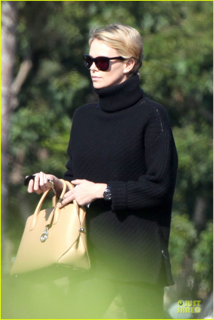 charlize theron inspired kristin chenoweth pixie cut 072986092