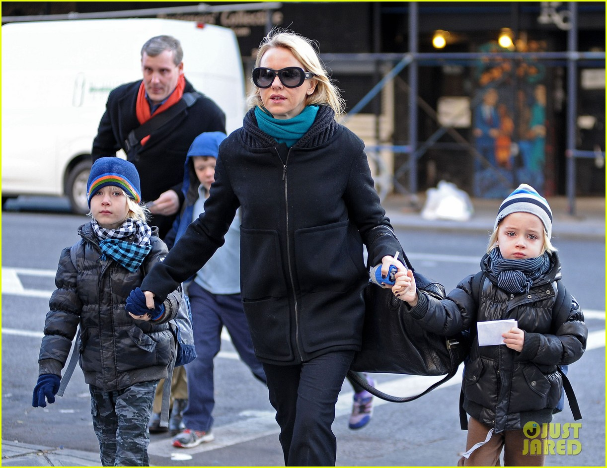 naomi watts braves chilly weather for school walk 04