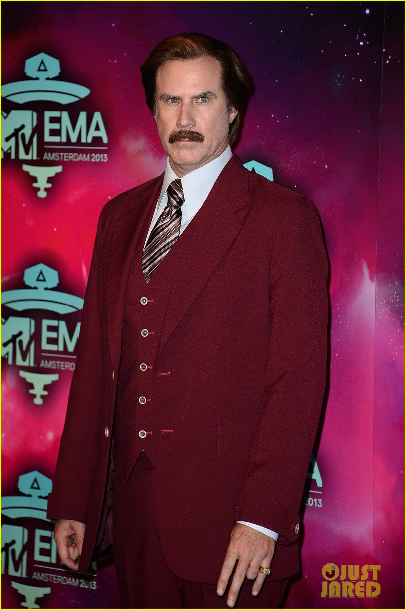 will ferrell as ron burgundy mtv ema 2013 red carpet 05