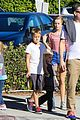 reese witherspoon jim toth grab pre thanksgiving lunch 18