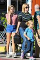 reese witherspoon jim toth grab pre thanksgiving lunch 20