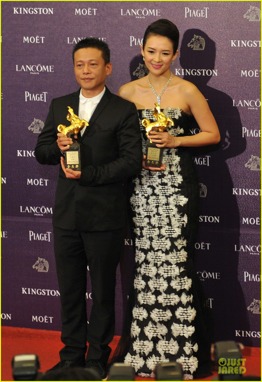 ziyi zhang wins best actress at golden horse film awards 01