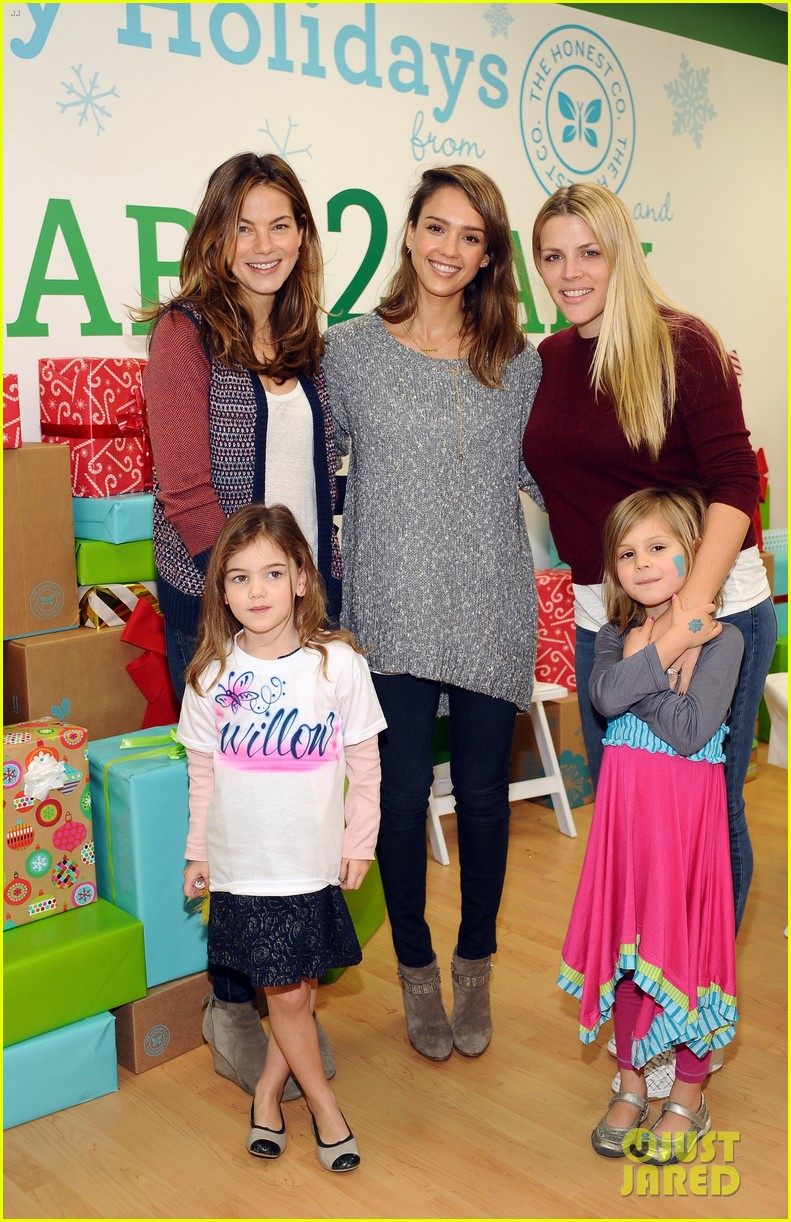 jessica alba gwen stefani baby2baby holiday party 073012302