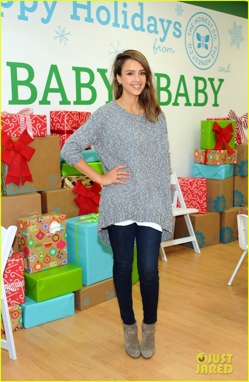 jessica alba gwen stefani baby2baby holiday party 11