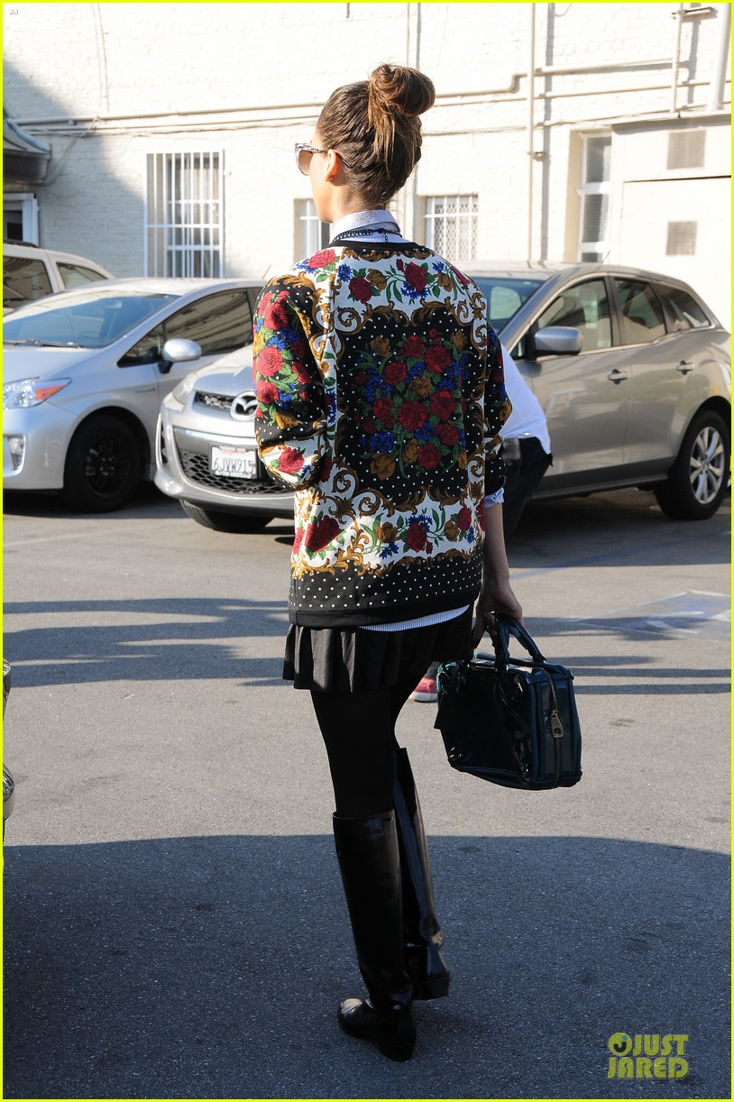 jessica alba floral friday at tavern 153011563