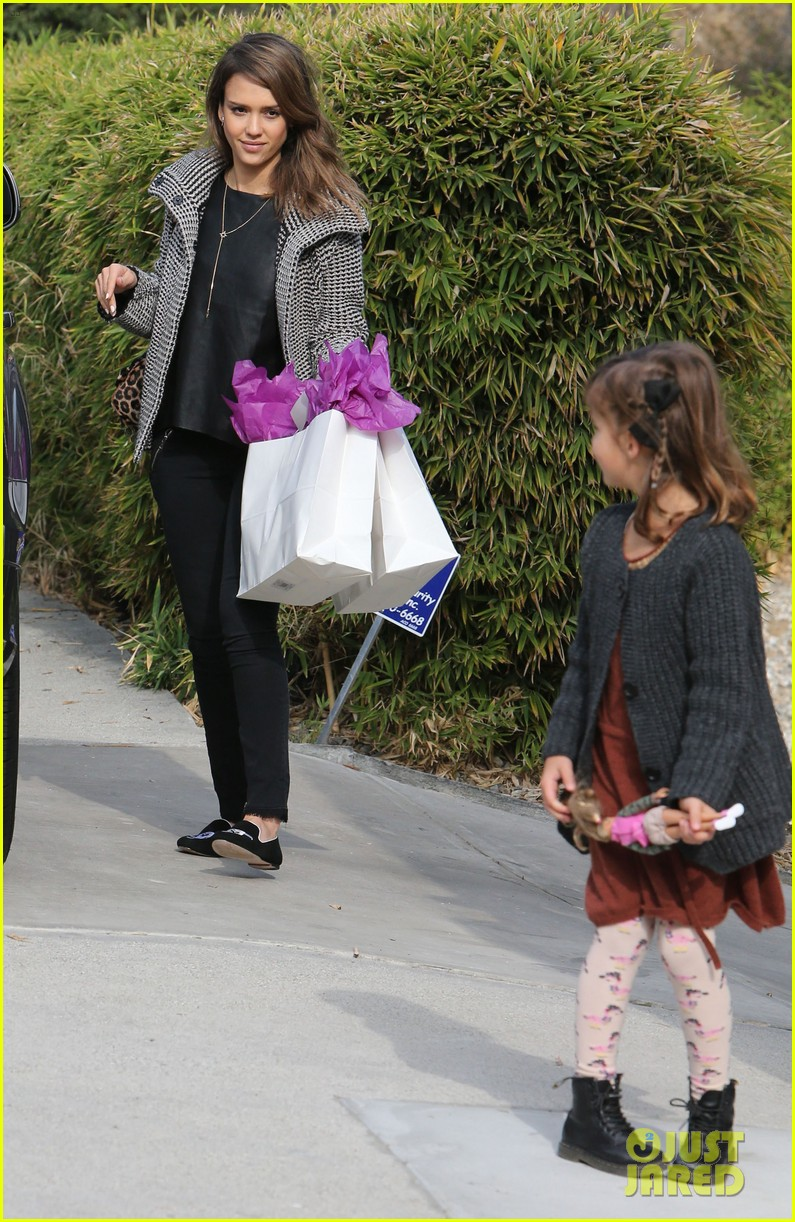 jessica alba set to attend the peoples choice awards 2014 113016117