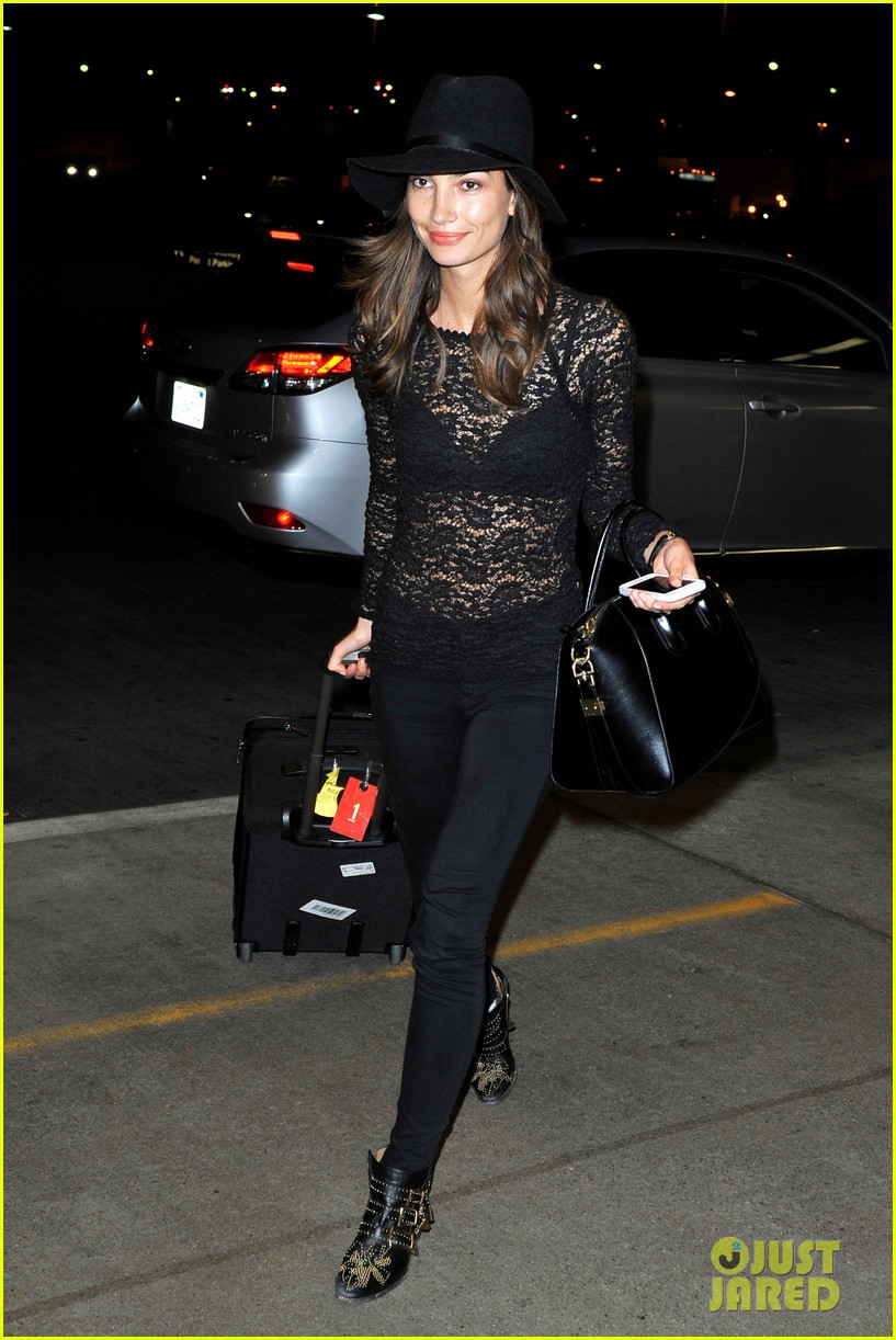 lily aldridge back at lax after quick trip in town 063015388