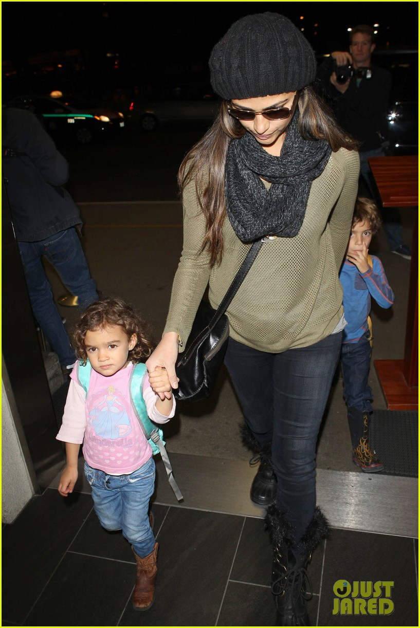 camila alves lands in snowy nyc with the kids 053013648