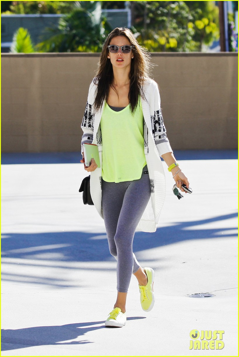 alessandra ambrosio steps out in new york after thanksgiving 06