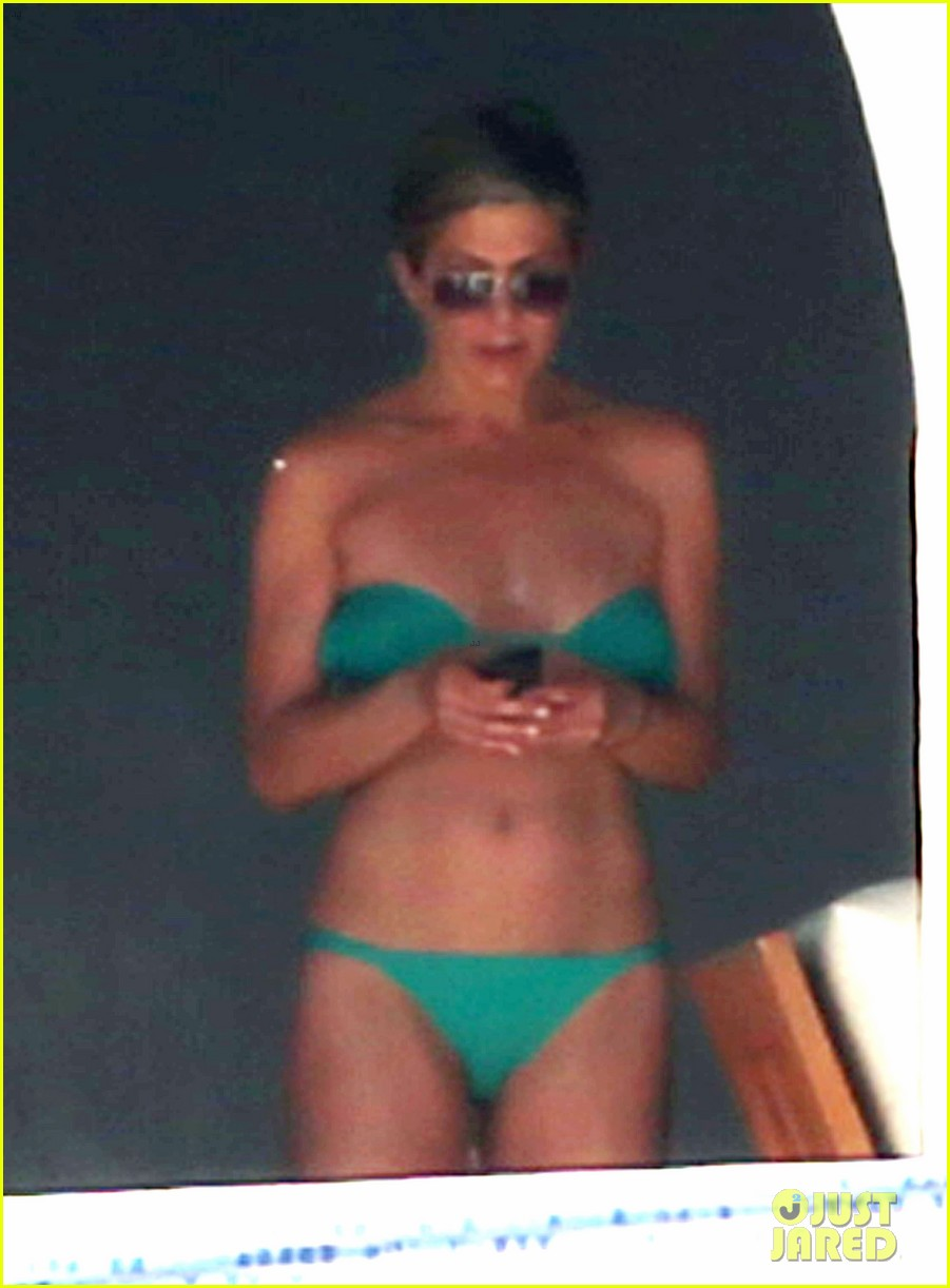 jennifer aniston wears barely there bikini in cabo 253020003