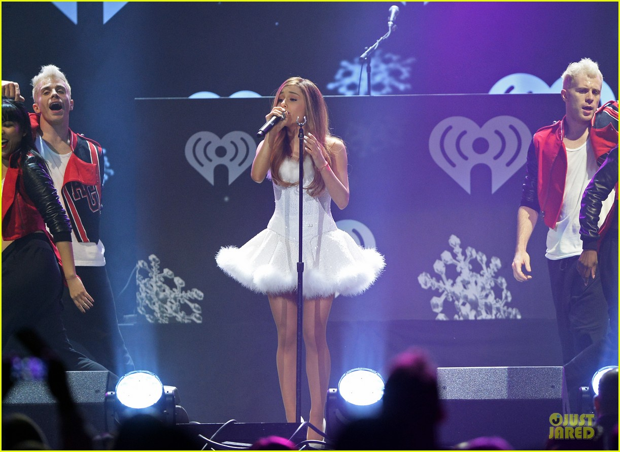 ariana grande enrique iglesias 1027 kiis fm jingle ball 32