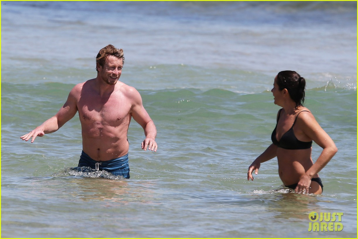 simon baker shirtless beach day with wife rebecca rigg 143013004