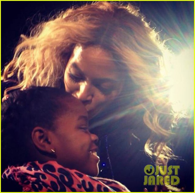 beyonce kisses madonnas daughter at concert is releasing new fragrance 013015265