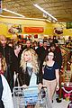 beyonce surprise shopping trip to walmart 05