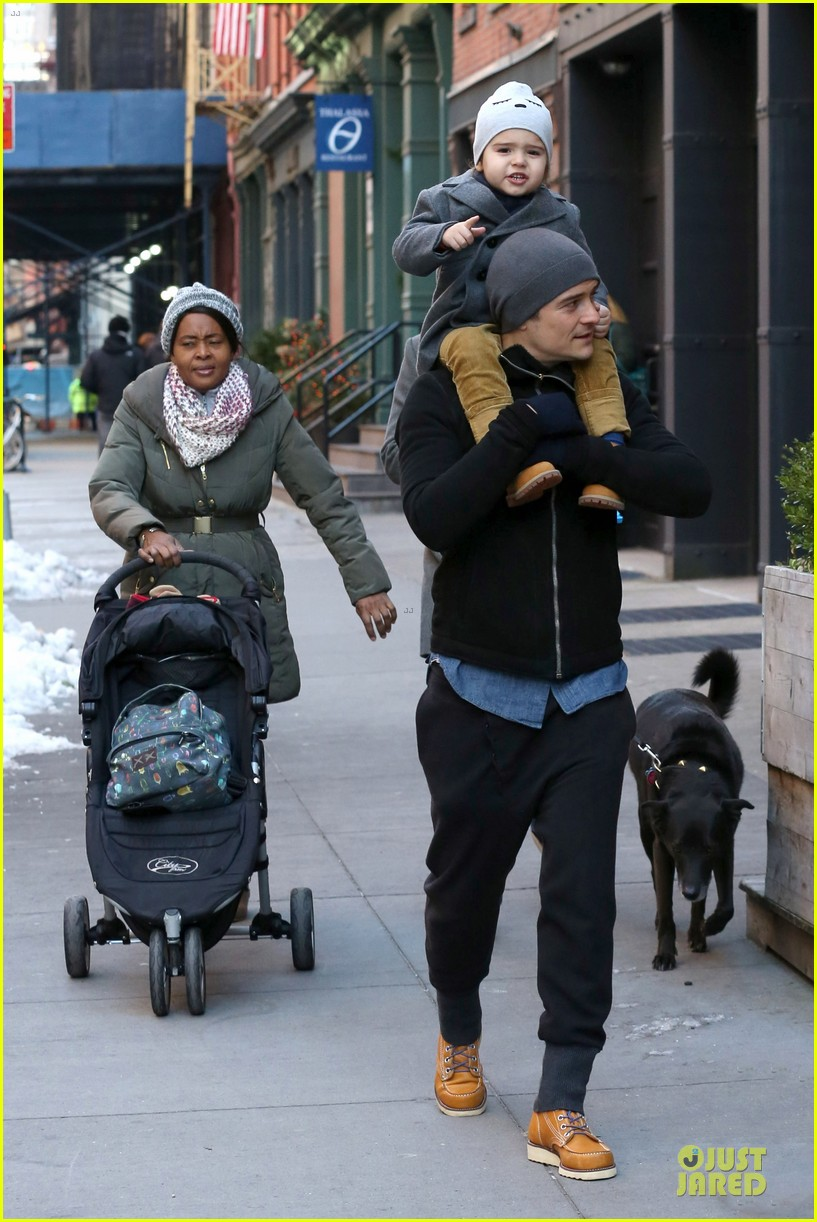orlando bloom flynn beanie matching father son duo 05