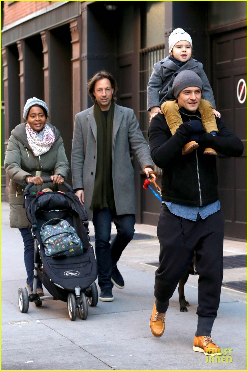 orlando bloom flynn beanie matching father son duo 08