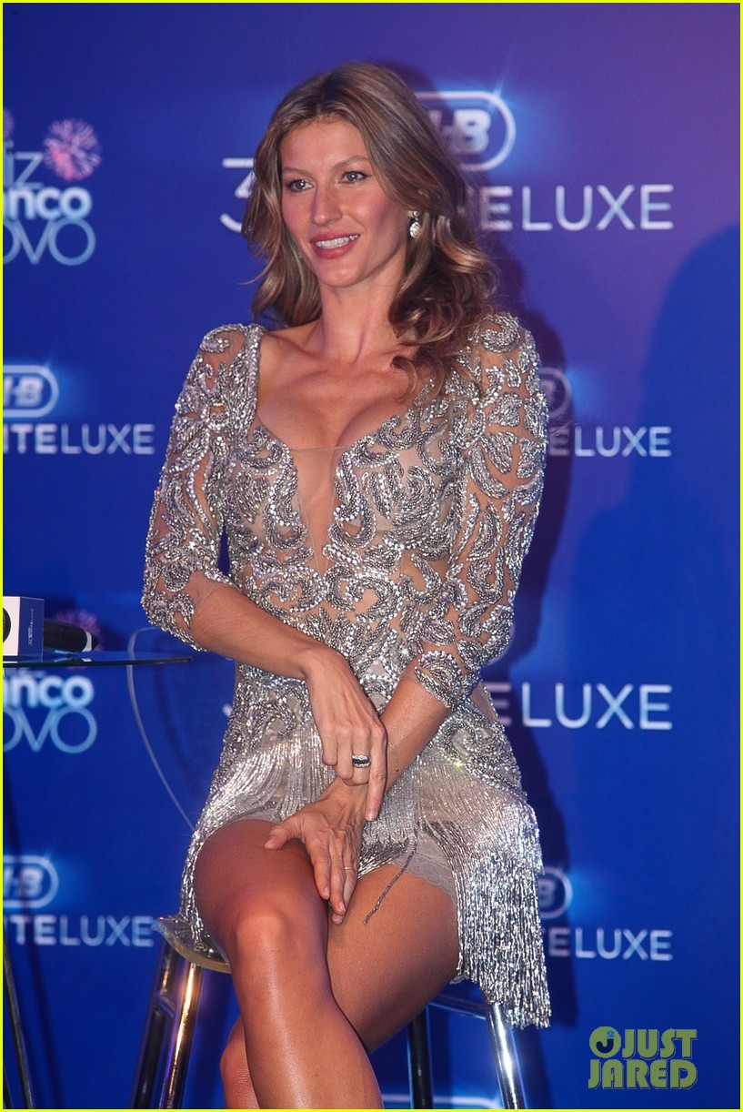 gisele bundchen shares breastfeeding pic before oral b event 263009160