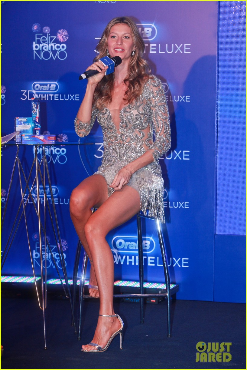 gisele bundchen shares breastfeeding pic before oral b event 303009164