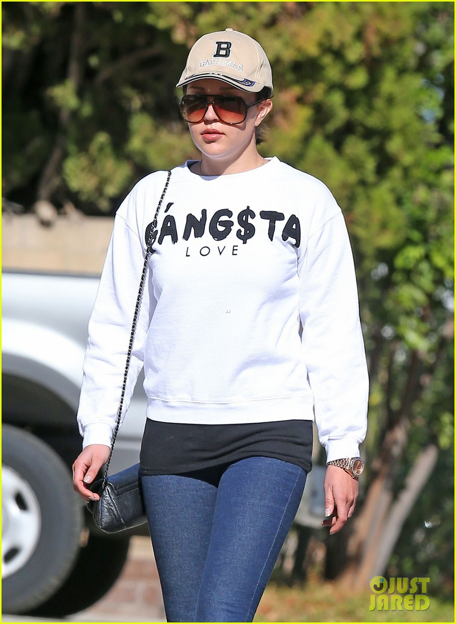 amanda bynes steps out with parents after rehab 043005701