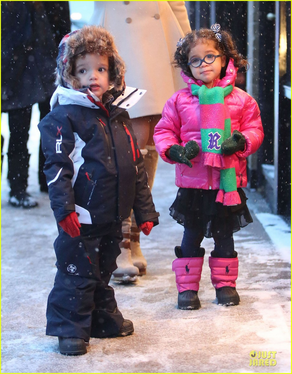 mariah carey snowy aspen shopping with the twins 02