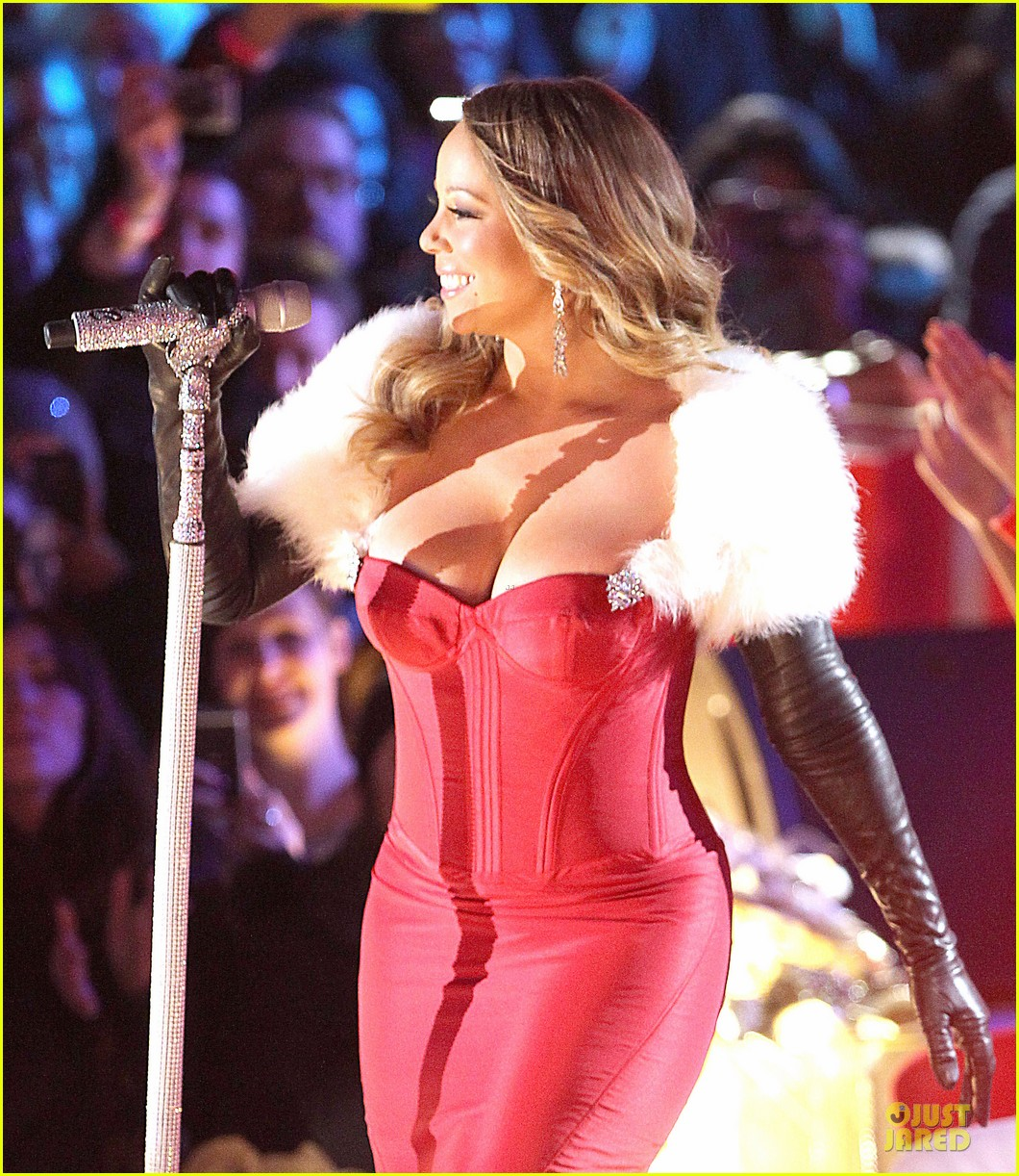 mariah carey rockfeller center christmas tree lighting 2013 performer 04