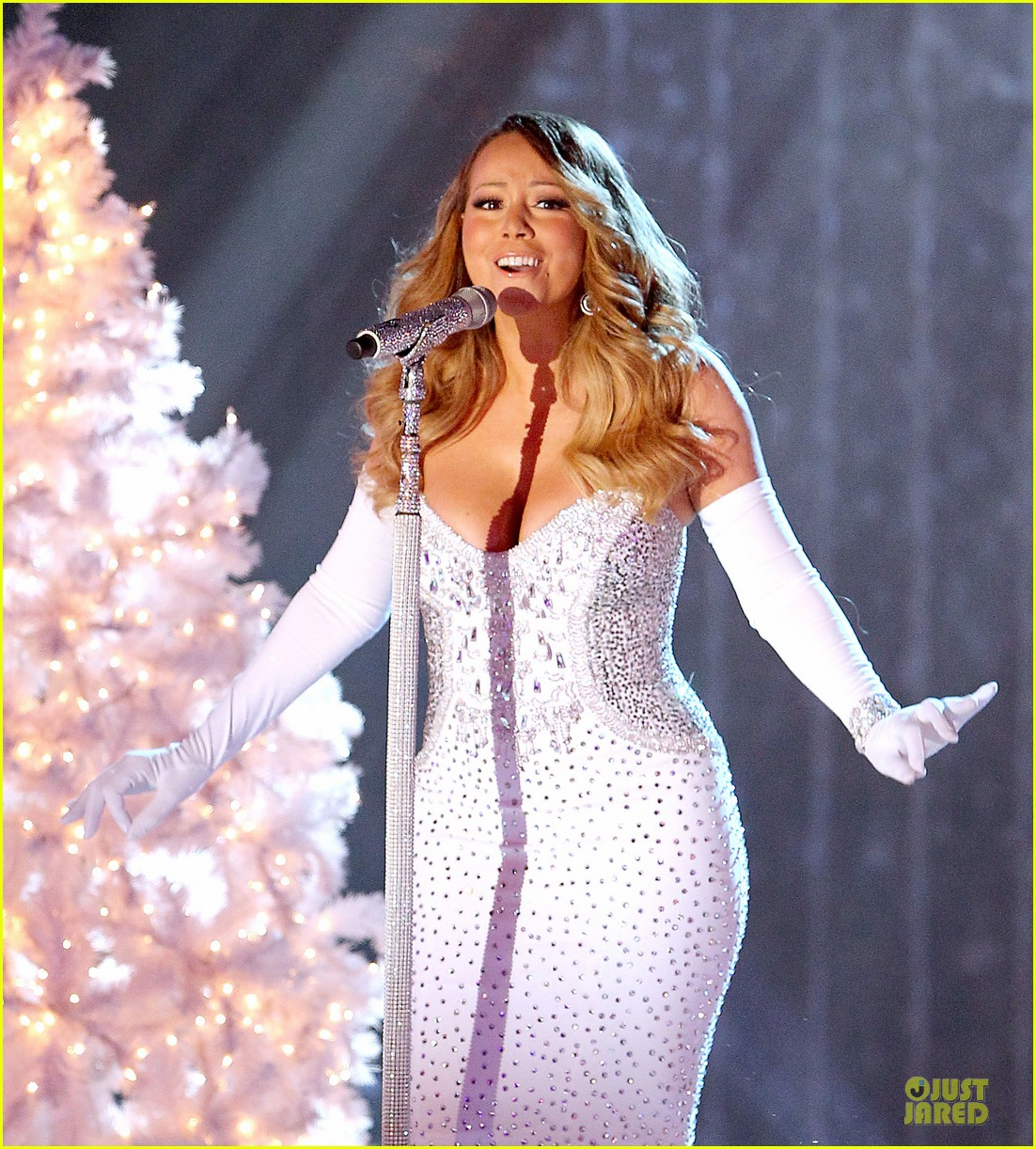 mariah carey rockfeller center christmas tree lighting 2013 performer 07
