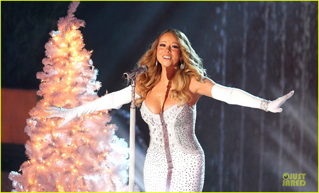 mariah carey rockfeller center christmas tree lighting 2013 performer 08