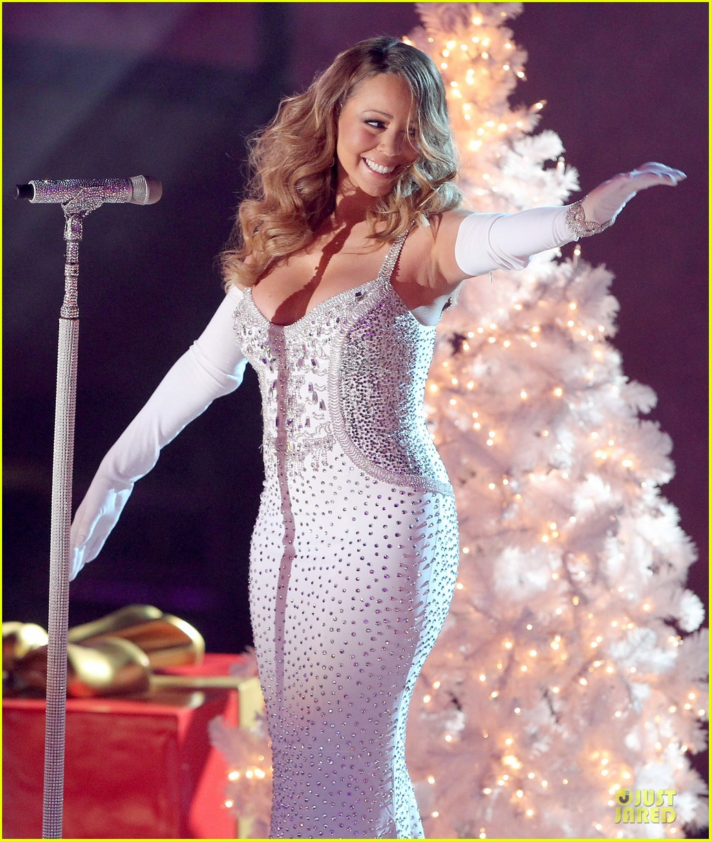 mariah carey rockfeller center christmas tree lighting 2013 performer 133004636