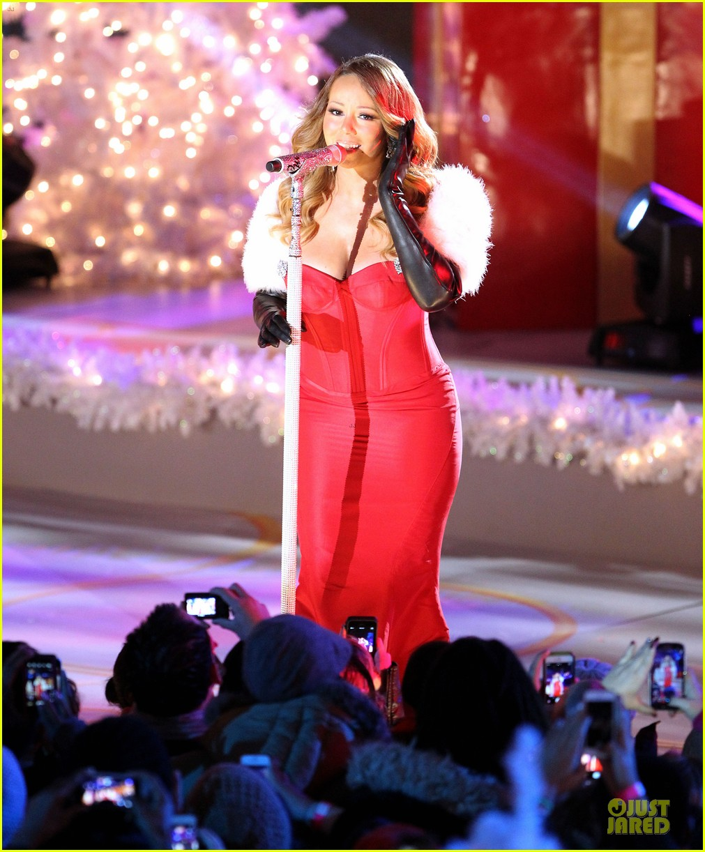 mariah carey rockfeller center christmas tree lighting 2013 performer 14