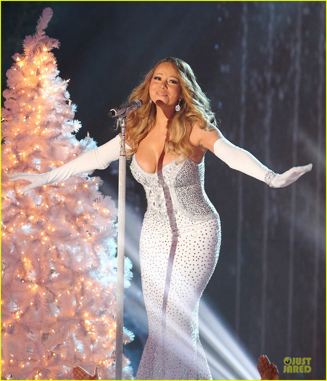 mariah carey rockfeller center christmas tree lighting 2013 performer 223004645