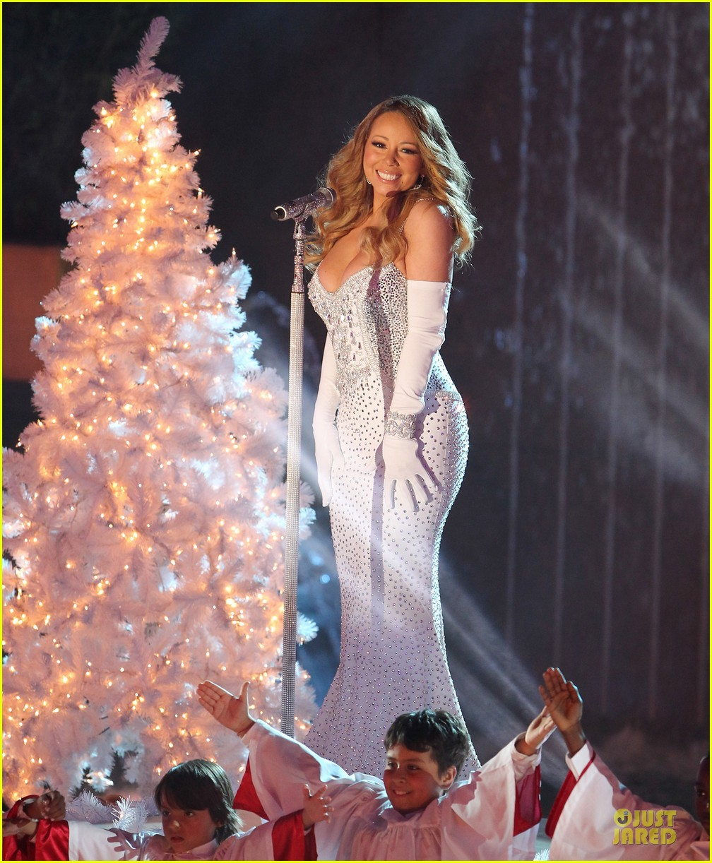 mariah carey rockfeller center christmas tree lighting 2013 performer 24