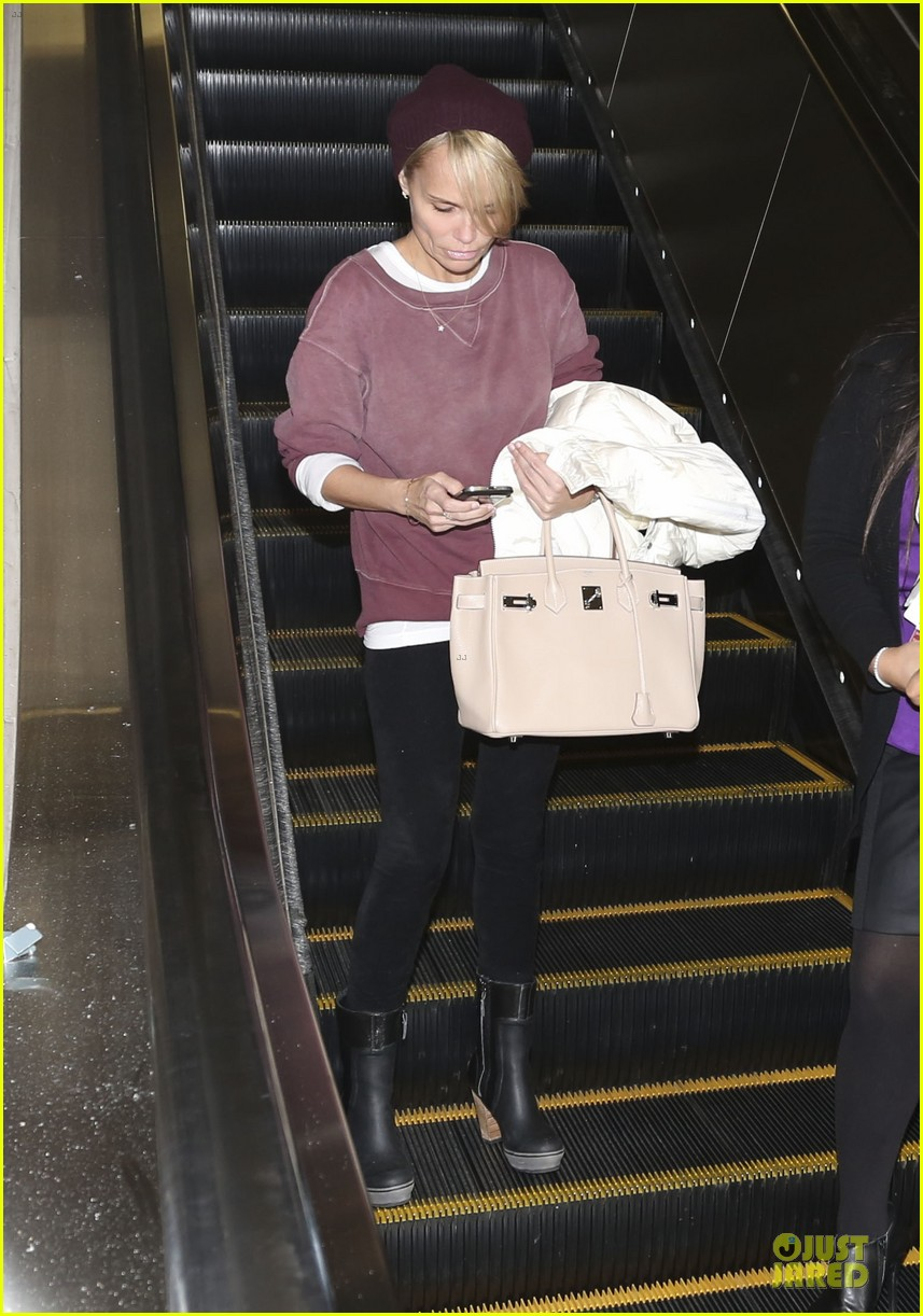 kristin chenoweth lax airport pick up from dana brunetti 07