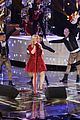 kelly clarkson underneath the tree performance on the voice 08