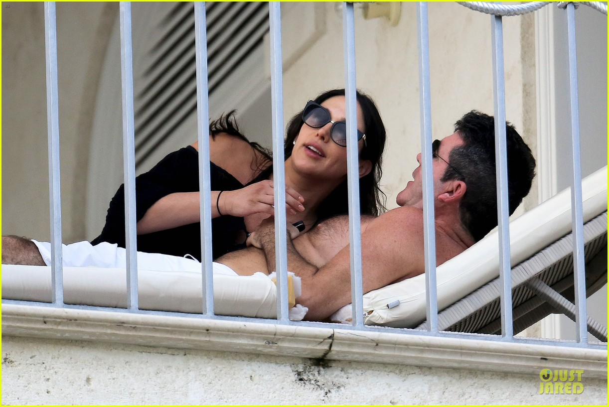 simon cowell lauren silverman kissing cuddling pair 09