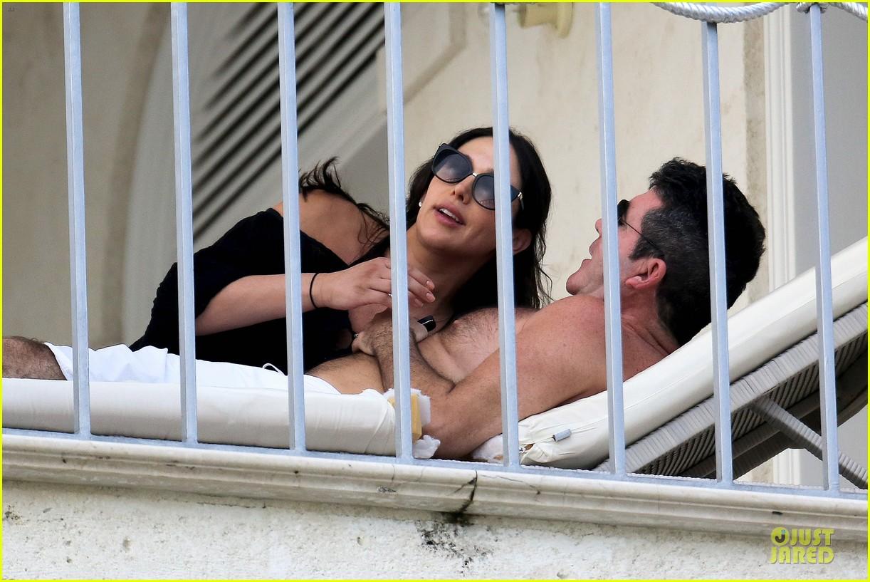 simon cowell lauren silverman kissing cuddling pair 093020076