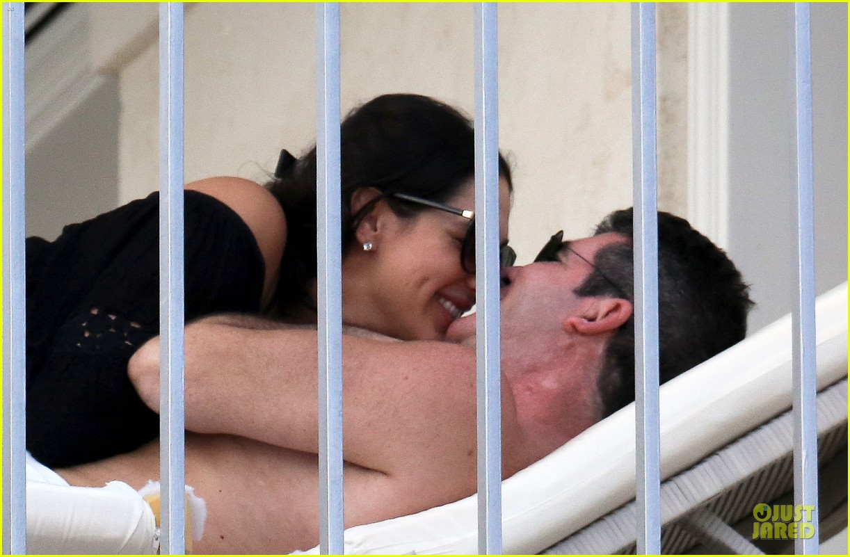 simon cowell lauren silverman kissing cuddling pair 12