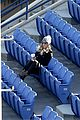 kaley cuoco spectator at ryan sweeting tennis practice 16