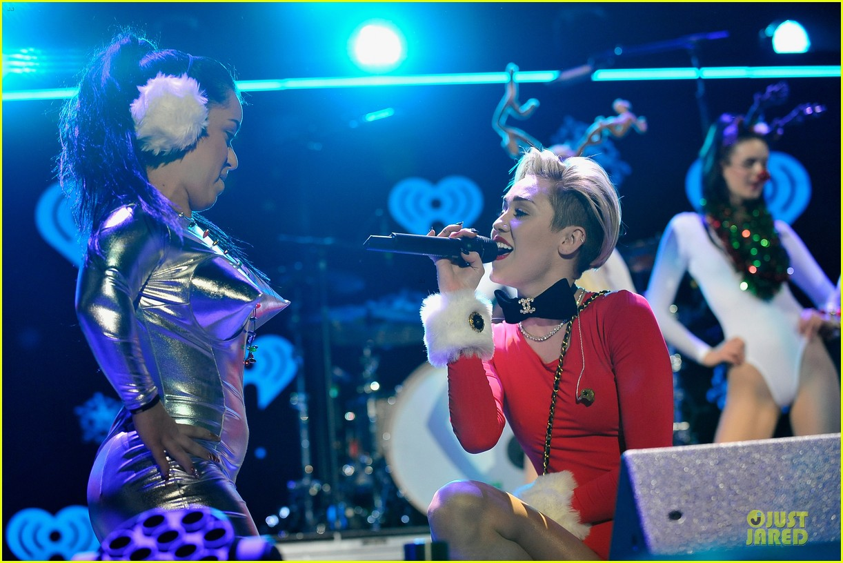 miley cyrus backstage at power 961 jingle ball 2013 123010326